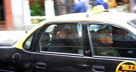 Taxistas critican la condena a un chofer que no exigió el uso del cinturón a pasajeros