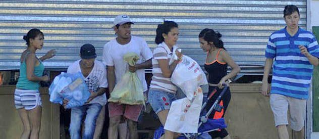 Quienes robaron los súper fueron en su mayoría jóvenes de entre 18 y 24 años de sectores sociales muy vulnerables. (foto: Héctor Rio)