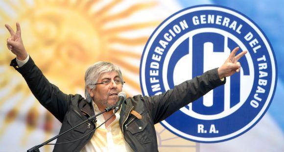 Moyano discute su relación con el gobierno en una reunión con la plana mayor de la CGT