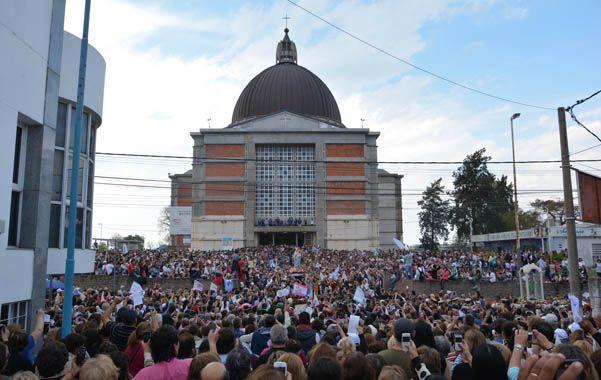 La celebración de la aparición de la Virgen viene siendo multitudinaria año tras año.