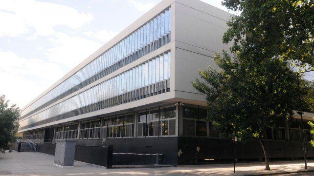El juicio se desarrolla por plataformas digitales en el Centro de Justicia Penal.