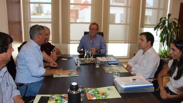 Directivos de AFA, con el ministro Costamagna