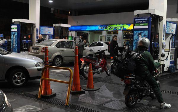 Combustible. La Secretaría de Comercio Exterior extendió la resolución que regula el precio de las naftas.