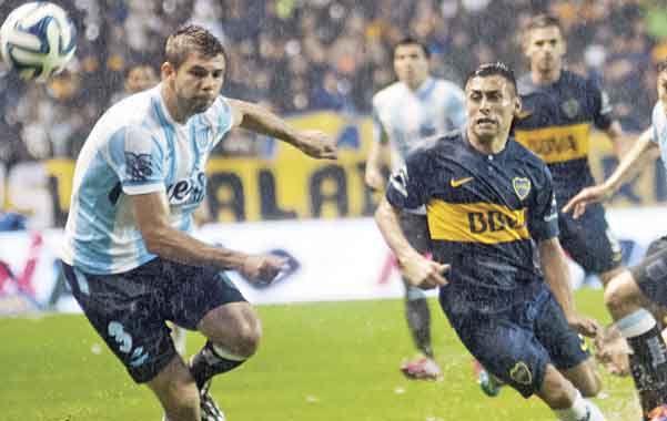 Boca y Racing volverán esta tarde a verse las caras para completar los 34 minutos que restan del encuentro que empezaron a jugar el pasado 14 de septiembre.