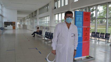 El director del hospital Gutiérrez, Daniel Alzari, se mostró preocupado por la gravedad de la pandemia en el sur santafesino.