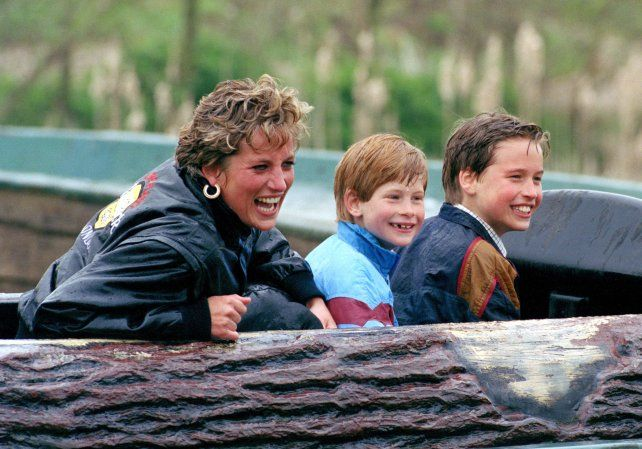 William y Harry hablan de Lady Di por primera vez en un documental a 20 años de su muerte