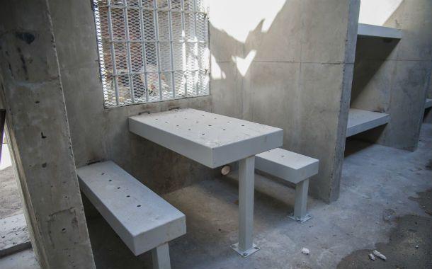 En marcha. El nuevo penal de la comisaría 27ª de Arroyo Seco está por ser terminado y tendrá lugar para 16 internos.