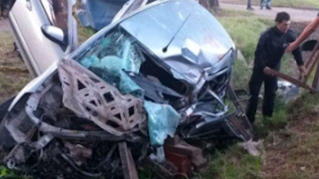 Un hombre de 31 años murió tras chocar su auto contra un árbol