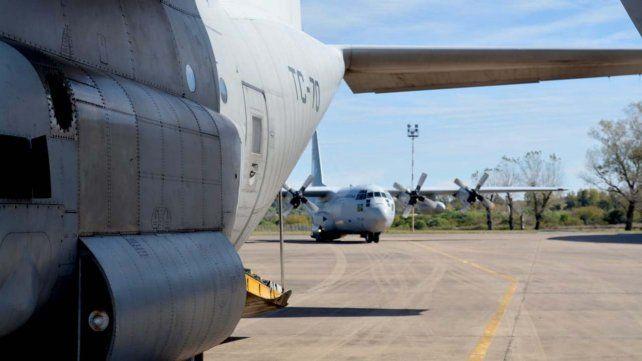 Los gigantescos aviones Hércules C-130 sobrevolaron el cielo rosarino la noche del lunes.
