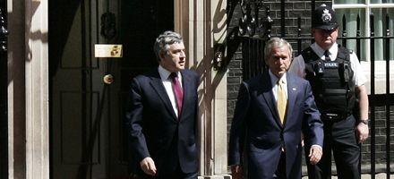 Bush se reunió con Gordon Brown e insistió con posible ataque a Irán