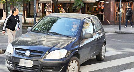 En las calles de Rosario, las mujeres manejan mejor que los hombres
