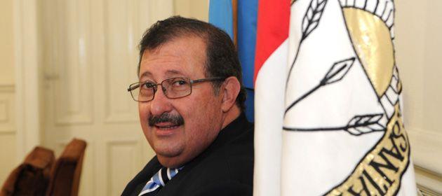 El ministro de Salud provincial lamentó las trabas a la importación de elementos medicinales y medicamentos.