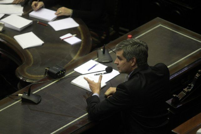 Marcos Peña afirmó que el nuevo impuesto a las gananciascomenzará a regir a partir del año próximo.