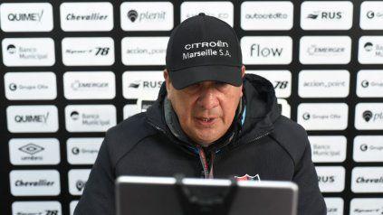 Burgos sobre Scocco: Hablé con todos los jugadores y todos tendrán oportunidades