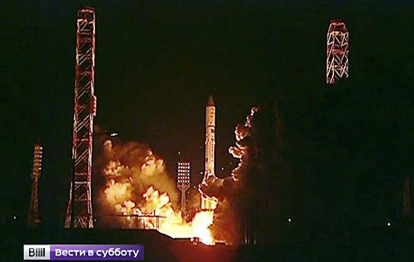 Preocupante. El Proton-M al ser lanzado ayer desde Siberia.