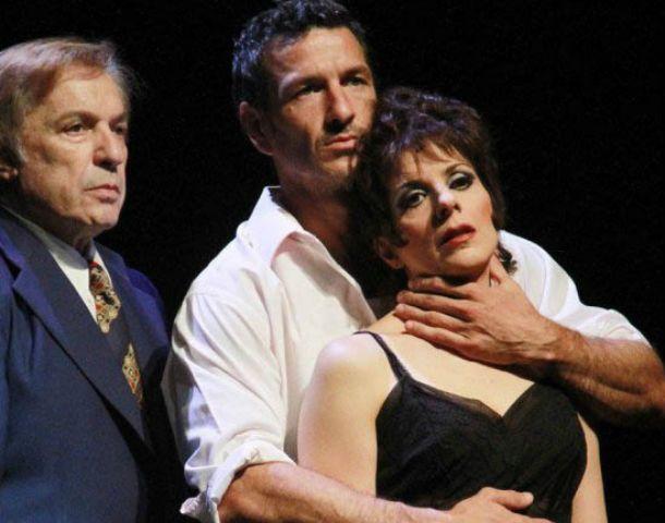 Bien rodeada. Karina K le da vida a Judy Garland en la obra que coprotagonizan Antonio Grimau y Federico Amador.