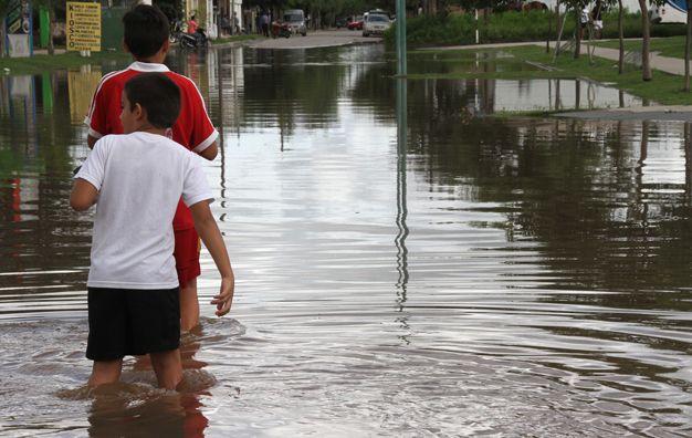 Anegamiento. La parte este de la ciudad cordobesa de Bell Ville fue afectada por las aguas del río Ctalamochita.