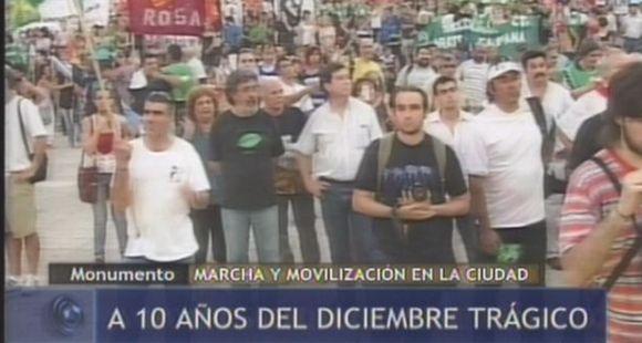 Una multitud evocó en el Monumento el estallido de 2001 y reiteró el pedido por justicia