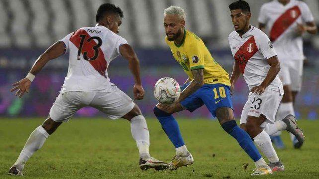 Brasil derrotó a Perú 1 a 0 y es finalista de la Copa América