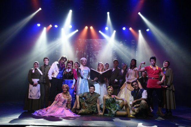 Los integrantes del elenco de Los cuentos de Wendy son alumnos seleccionados por casting.
