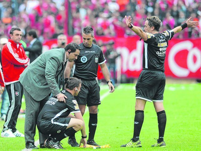 No va más. Beligoy suspende el partido por agresión a su asistente.