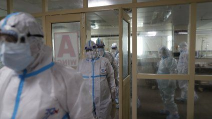En Rosario se aprecia una meseta de casos de coronavirus, pero con cifras muy altas aún.