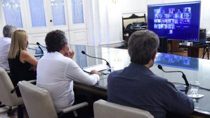 El intendente Pablo Javkin, durante el encuentro virtual junto a rosarinos y rosarinas en distantas partes del mundo.
