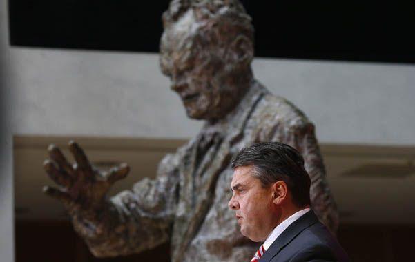 Herencia. Junto a la estatua del primer canciller del SPD