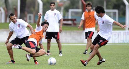 Newells visita a Vélez con la intención de afirmarse en resultados y funcionamiento