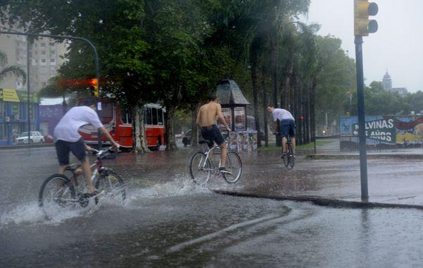 Para Rosario están pronosticadas fuertes lluvias y ocasional caída de granizo.