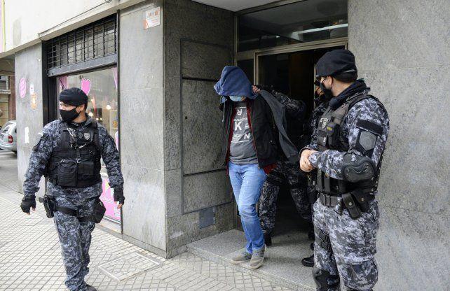 Uno de los cuatro detenidos en los allanamientos realizados el miércoles en la ciudad.