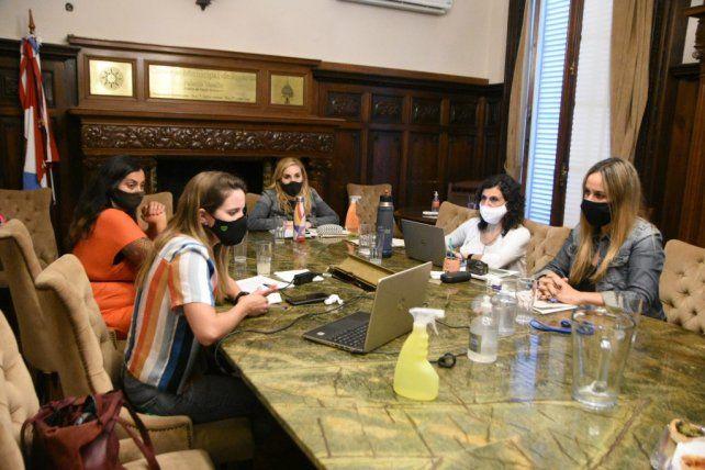 La Comisión de Feminismos recibió los planteos de travestis
