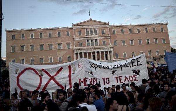 Manifestación. Los griegos protestaron ayer frente al Parlamento.