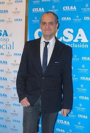 Laurencio Adot encabezará ceremonia solidaria en la Universidad Di Tella