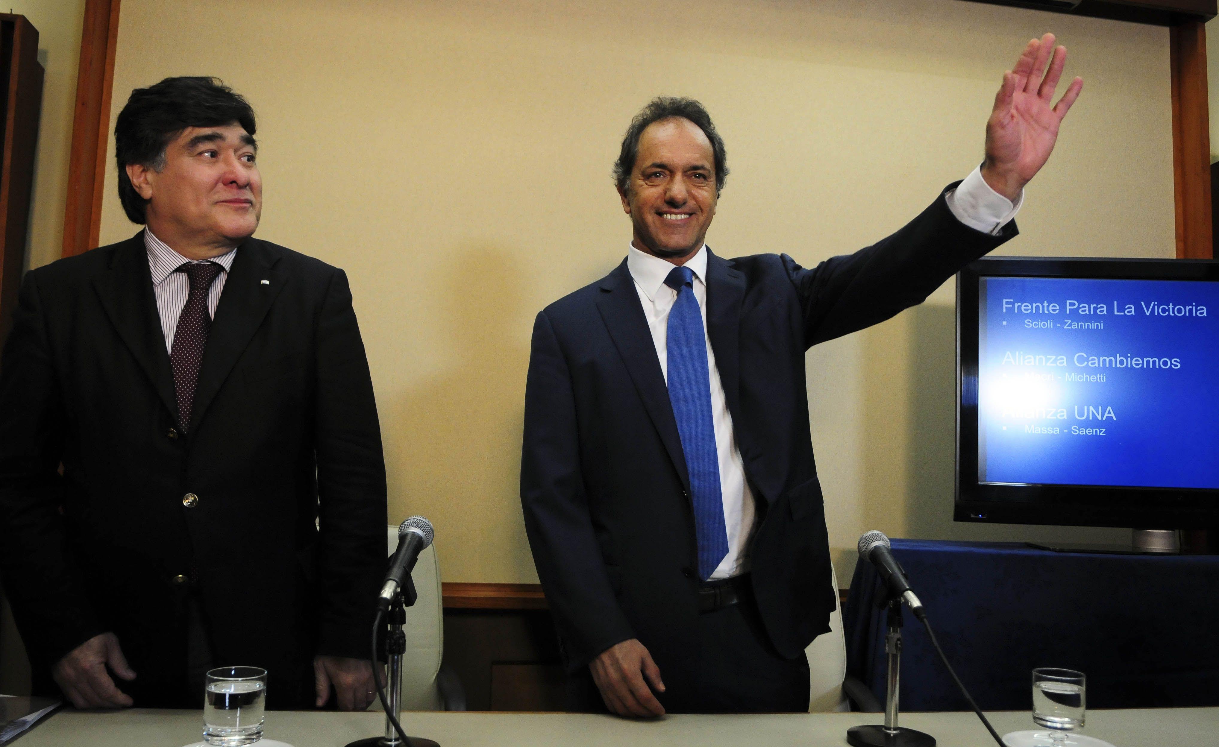 La precandidatura presidencial de Daniel Scioli por el Frente para la Victoria cosechó 8.424.749 votos.