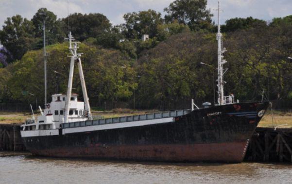 Detenido. El Arapoty pertenece a una firma argentina pero tiene bandera paraguaya. Al estar en territorio extranjero