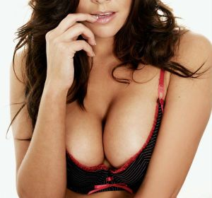 No hay dudas de que mirar los senos hace a los hombres más saludables