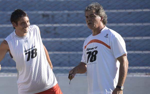 Vuelve. El capitán Vella estará en el once de Cuffaro Russo en Los Polvorines. (Héctor Rio / La Capital)