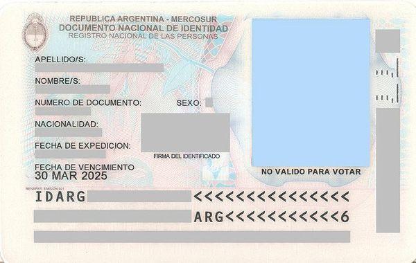 La medida apunta a evitar falsificaciones en la documentación personal.