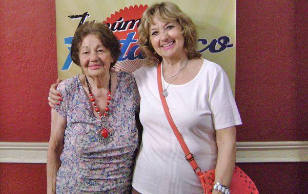 Premiadas. Gladys Bevione y Ana María Vesco no ocultaron su alegría.