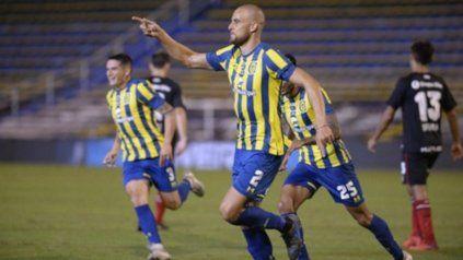 Nico Ferreyra, un defensor que es seguido desde Independiente.
