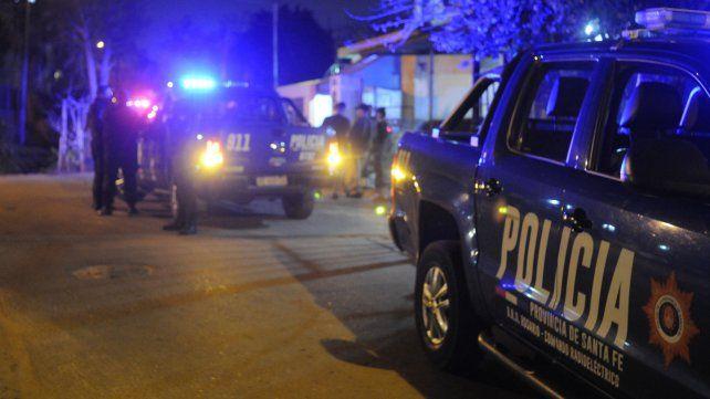 Flammarion y Lamadrid. La policía trabaja en el lugar del crimen.