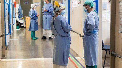 El aumento de la curva repercute también en las consultas a los servicios médicos de emergencia y las guardias.