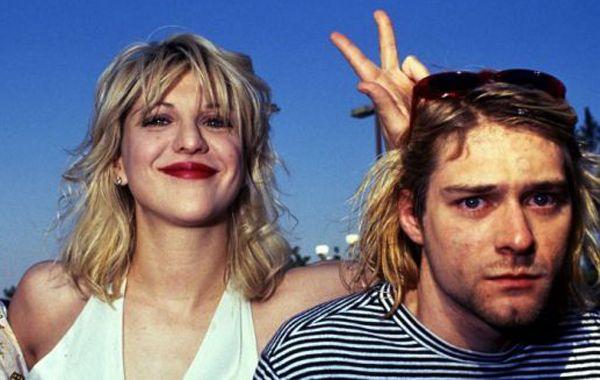 Cobain se burló de los votos matrimoniales con su esposa.