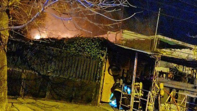 Incendio dañó un comercio en Paraná