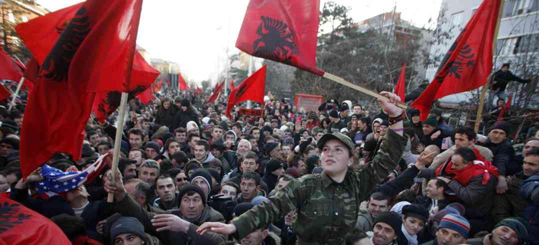 Kosovo declaró unilateralmente su independencia de Serbia