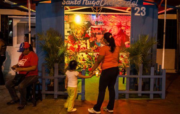 Se vuelve eterno. La humilde parroquia en el barrio caraqueño 23 de Enero donde aparece Chávez con Jesús.