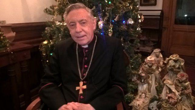 Monseñor Aguer dijo que no se puede reemplazar a Jesús por Papá Noel