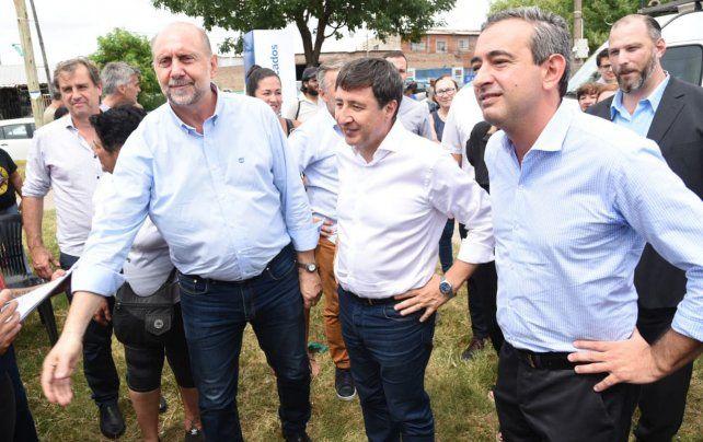 Perotti junto a Arroyo y Javkin en la presentación del Mercado Social