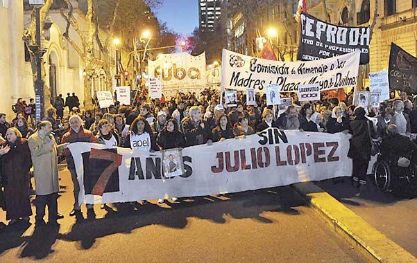 Marcha. En Capital se realizó una movilización entre el Congreso y Plaza de Mayo.
